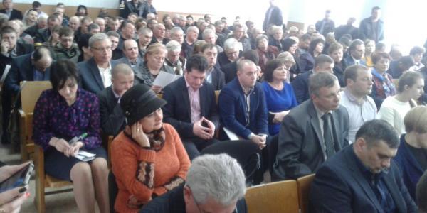 Кадровая революция на сессии Кременчугского райсовета не состоялась
