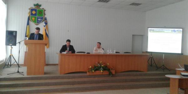 руководитель Кременчугской районной администрации Андрей Безкоровайный отчитывается перед общественностью