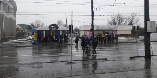 Жители квартала 278 жалуются: по утрам не выехать на работу