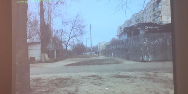 По улице Воинов-Интернационалистов находятся остатки сгоревшего сооружения