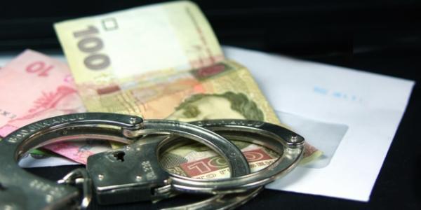 Кременчуцький райсуд присудив колишньому очільнику ДАІ Полтавщини штраф за хабарництво та «кришування» перевізників