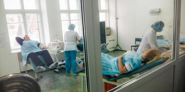 Кременчужан зовут сдать кровь, чтобы спасти детей