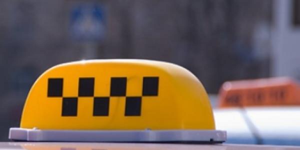В Кременчуге из-за снега такси повысили цены на проезд