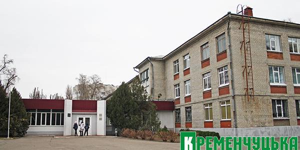 Малецкий посетил лицей 11: стоки, электростолбы и распредсчетчики градоначальника сразили наповал