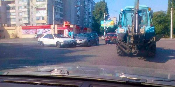 На перекрестке ул. Вадима Пугачева-Киевская менее чем за час – второе ДТП