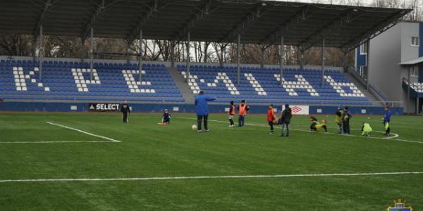 Городские власти Кременчуга планируют изменить подход к финансированию коммунального футбольного клуба «Кремень»