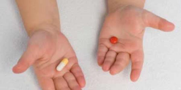 В Кременчуге двухлетняя девочка отравилась таблетками