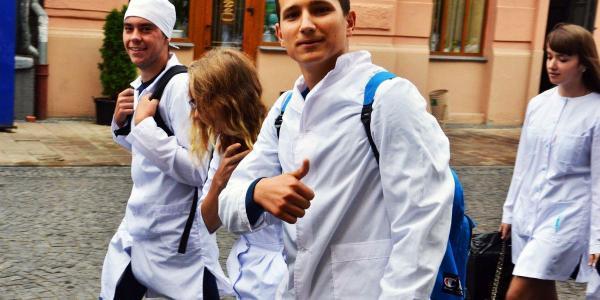 Студентів-медиків звільнили від повинності відпрацьовувати після закінчення вишу