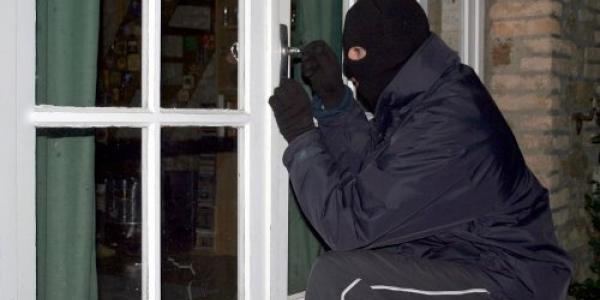 Домовиті злодії: у будинкахКременчуцькогорайонувикрали пральну і швейні машини, водонасоси та газовий котел