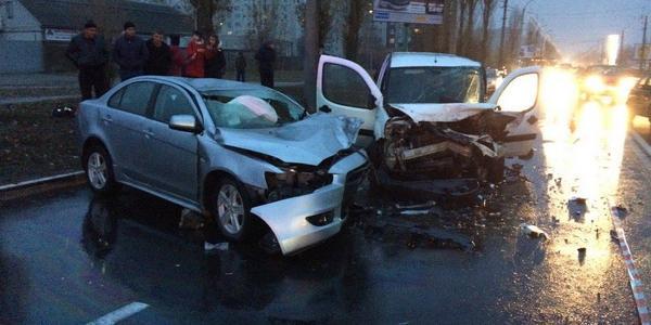 ДТП в Кременчуге в районе «Простора» - как минимум трое пострадавших (дополнено)