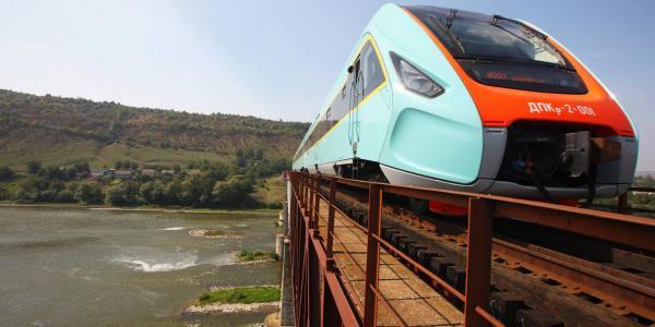 Кременчугский поезд на 50-метровой высоте