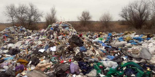 Полтавский облсовет обратился к властям Львова с требованием немедленно прекратить вывоз мусора на территорию Полтавщины