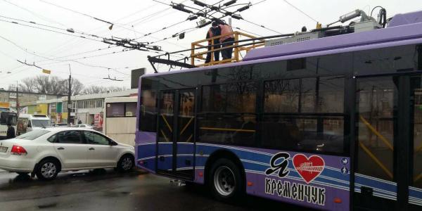 В Кременчуге временно остановились троллейбусы