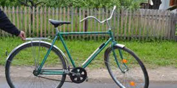 У кременчужан украли велосипед «Чайка» и 18 тысяч гривень