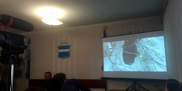 В центре Кременчуга найдена незакрытая сливная «дыра»