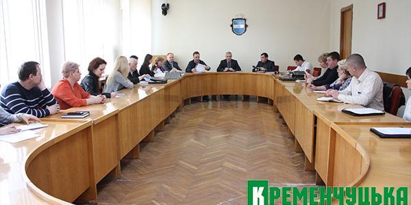 Депутаты и экологи собрались, чтобы в очередной раз поговорить о том, что воняет в Кременчуге