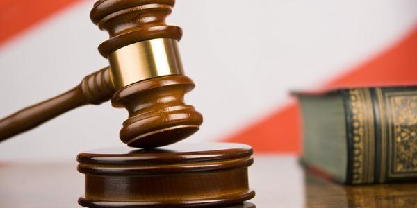 Мэр Малецкий считает решение суда по планшетам посягательством на демократию