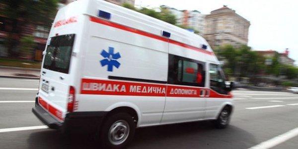 В центре Кременчуга с 4-го этажа выпала девушка