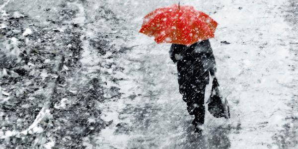 Скользкие выходные в Кременчуге: дождь, снег и ветер