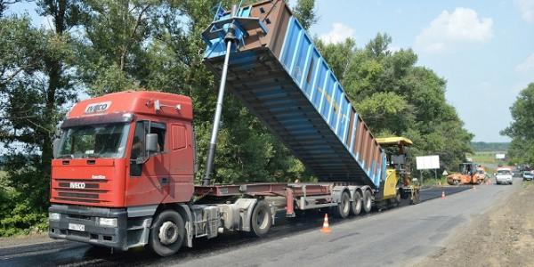На трассе Кременчуг-Полтава капремонт продолжиться с мая, и в этом году дорога будет как новая