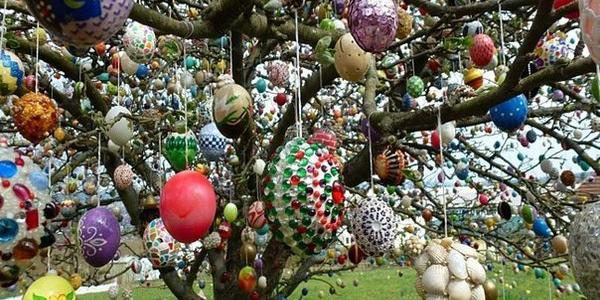 Кременчужан приглашают со своими яйцами на пасхальные деревья