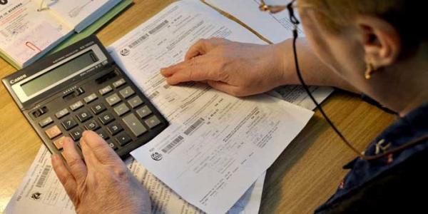 Повторно подавати документи на оформлення допомоги необхідно лише тим, хто орендує житло та у кого відбулися зміни у складі сім'ї.