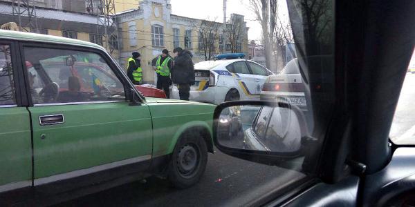 В Кременчуге Opel «догнал» полицейский Prius