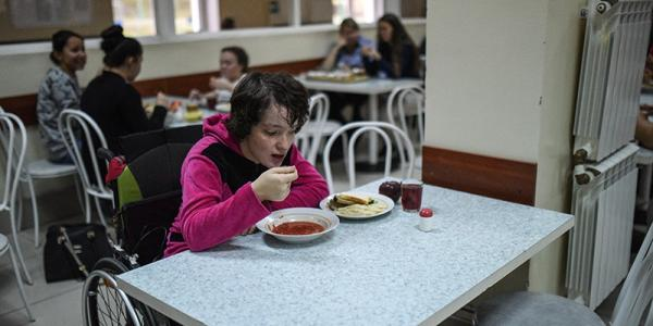 Кременчугский горсовет рассмотрит предложение о бесплатном питании в школах детей–инвалидов