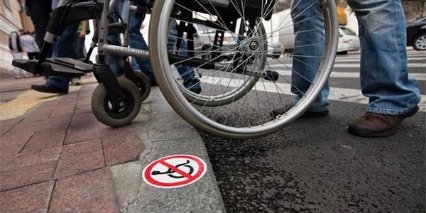 Кременчужани з обмеженими можливостями закликають владу з мега-можливостями пам'ятати про людей з інвалідністю