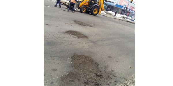 Кременчужане о ремонте дорог: «Это какая-то земля, в которой нет ни капли битума» (дополнено)