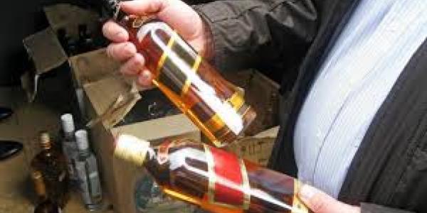 Криминал в Кременчуге: минус 2 тыс.грн. со счета и бутылка «Black label» с сельского прилавка