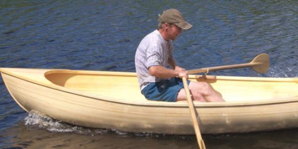 У кременчужанина украли деревянную лодку