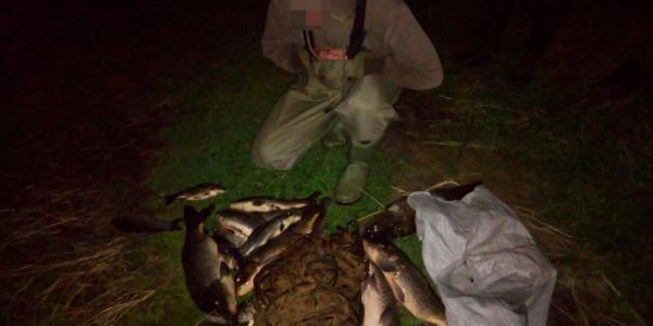 Вночі біля Затонної кременчужани незаконно ловили рибу