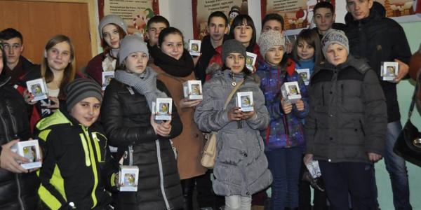 Глава облсовета за свой счет свозил детей из Решетиловского района на экскурсию в Киев