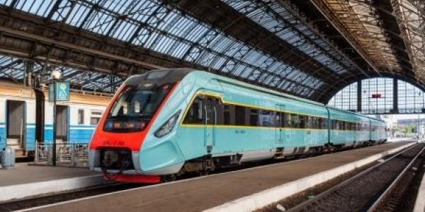 «Укрзалізниця» намерена обновить парк дизель-поездов кременчугскими вагонами
