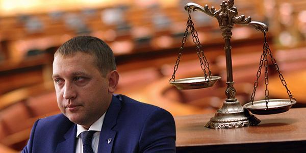 День работников суда Украины: Малецкий и Ко игнорируют правосудие