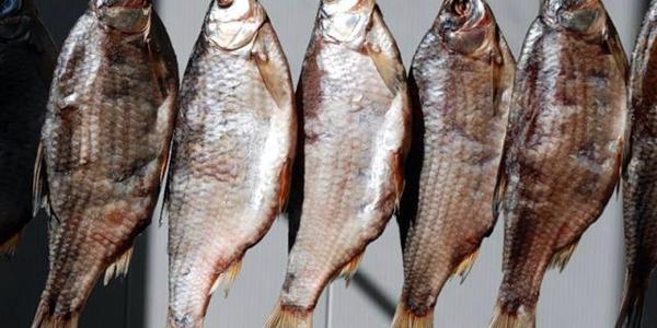Кременчужан предупреждают: вяленую рыбу этого производителя пока не стоит покупать