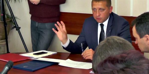Малецкий «запел» по-другому: он уже не против повысить тариф на эксрасходы