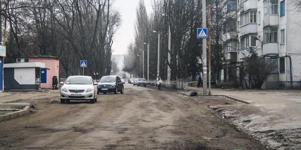 Малецкий дохозяйначался: в Кременчуге из-за ям на дорогах бьются маршрутки и меняется маршрут движения