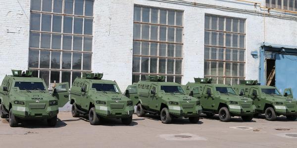 Партия легких бронеавтомобилей КрАЗ-Кугуар передана заказчику