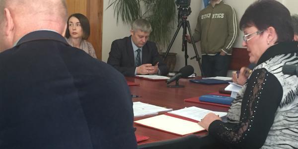 Первый вице-мэр Пелипенко до сих пор недоступен для журналистов