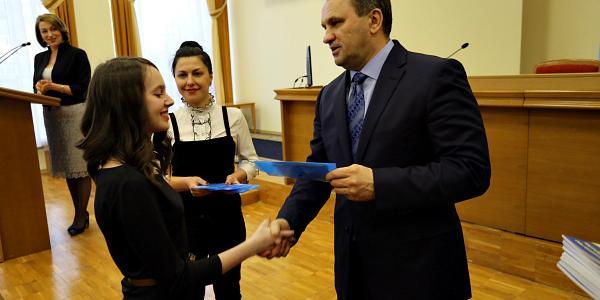 36 кременчужан впервые получили ID-паспорт