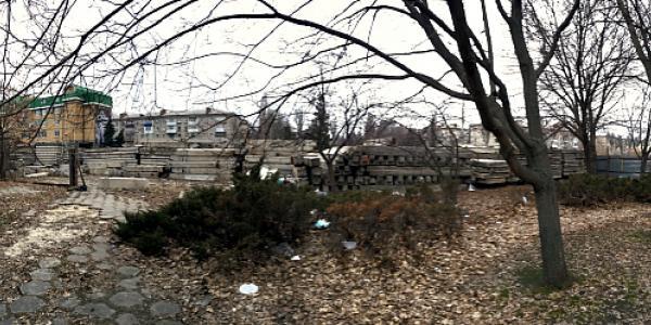 Малецкий с застройщиками продолжают захламлять город, пренебрегая  безопасностью кременчужан