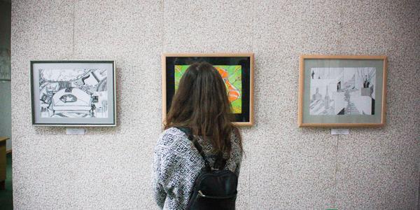 Авангард в Кременчуге под звуки этномотивов: открытие художественной выставки