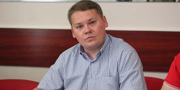 Депутат, супруг Пищиты, сын экс-вице мэра Александр Калашник подозревается в езде за рулем нетрезвым