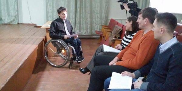 Кременчугские инвалиды просят власть посодействовать в плавательном спорте