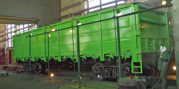 Всего в январе-феврале этого года предприятие произвело 357 грузовых вагонов