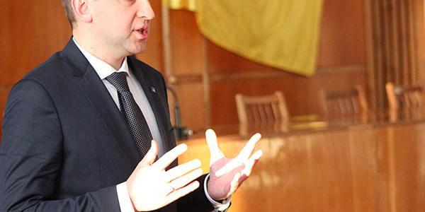Малецький дивується, чому є фігурантом у «корупційній» справі Молодіжного Парламенту Кременчука