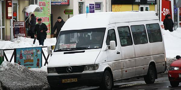 Кременчугские маршрутчики категорически требуют повысить цену за проезд