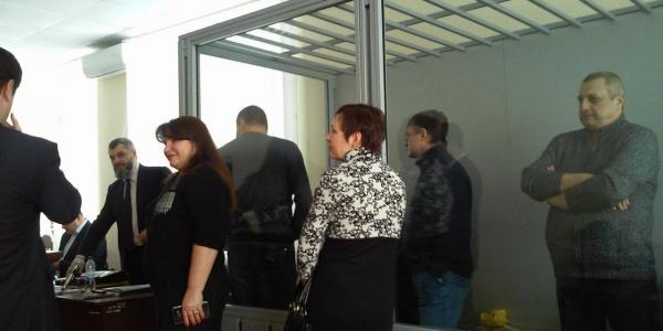 Подсудимых по делу убийства Бабаева и Лободенко «выведут» из стекла